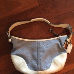 Coach shoulder baguette bag w adjustable strap